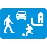 D-40 Strefa zamieszkania. Oznacza wjazd do strefy zamieszkania. Znak może być umieszczony w innym miejscu niż po prawej stronie jezdni. Informuje ponadto, że umieszczone w tej strefie urządzenia wymuszające powolną jazdę (progi zwalniające) mogą nie być oznakowane znakami ostrzegawczymi