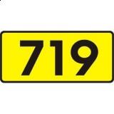 E-15b Numer drogi wojewódzkiej. Wskazuje numer i rodzaj (kategorię) drogi
