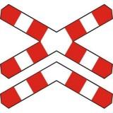 G-4 Krzyż św. Andrzeja przed przejazdem kolejowym wielotorowym. Wyznacza miejsce zatrzymania się w związku z ruchem pociągu lub innego pojazdu szynowego na przejeździe kolejowym bez zapór lub półzapór; informuje, że na przejeździe występuje wiecej niż jeden tor