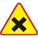 A-5 Skrzyżowanie dróg. Ostrzega o skrzyżowaniu dróg, na którym pierwszeństwo nie jest określone znakami