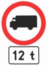 B-5 Zakaz wjazdu samochodów ciężarowych. Określona na znaku B-5 albo na tabliczce umieszczonej pod nim masa oznacza, że zakaz dotyczy pojazdu (zespołu pojazdów), którego dopuszczalna masa całkowita przekracza masę podaną na znaku albo na tabliczce