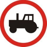 B-6 Zakaz wjazdu ciągników rolniczych. Oznacza zakaz ruchu ciągników rolniczych i pojazdów wolnobieżnych